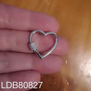 Dije bañado en plata de 20mm Corazón broche LDB80827