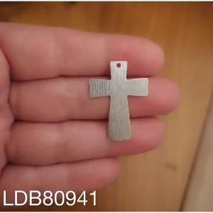 Dije bañado en plata de 30x22mm Cruz LDB80941