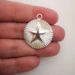 Dije bañado en plata de 29mm Medallón Estrella LDB81451