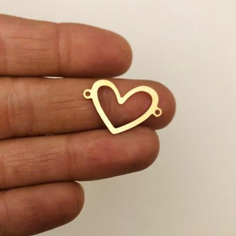 Dije bañado en oro 22k de 15mm Corazón Conector LDB82084