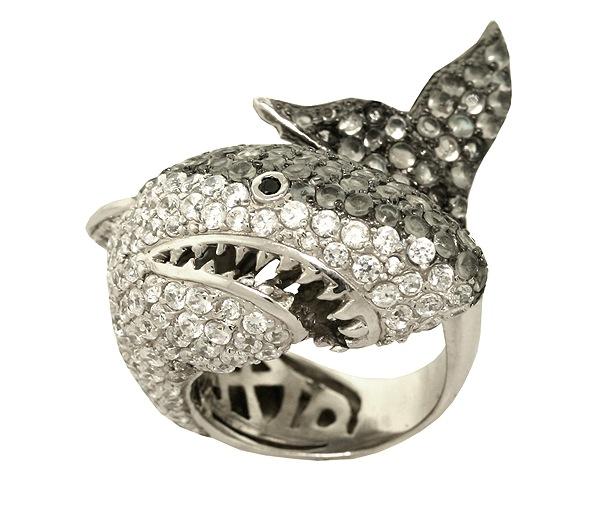 noir_shark_ring