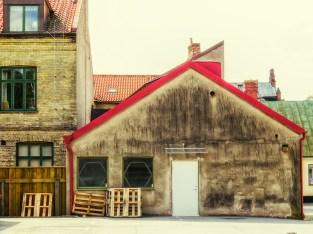röd-gavel-på-gården