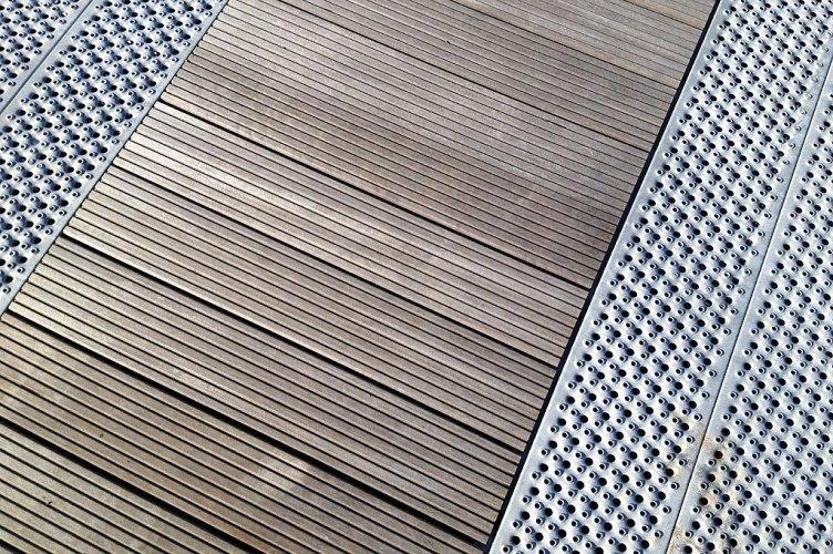 Den nye brygga er laget av galvanisert stål
