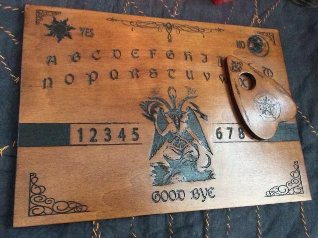 planche de ouija spiritisme
