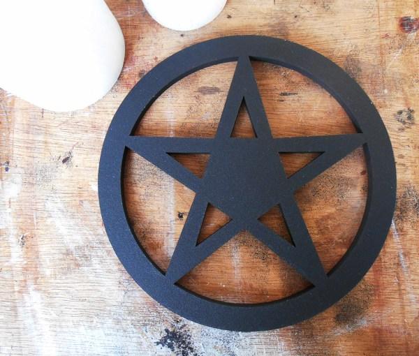 Symbole ésotérique pentacle noir