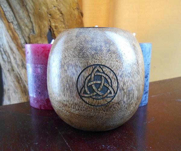 Triquetra gravure sur bois