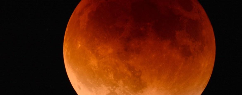 ésotérisme avec lune mystique