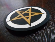 pentacle or et blanc