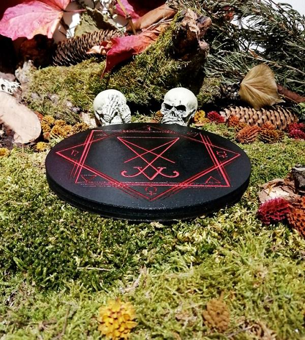 Lucifer Autel Bois