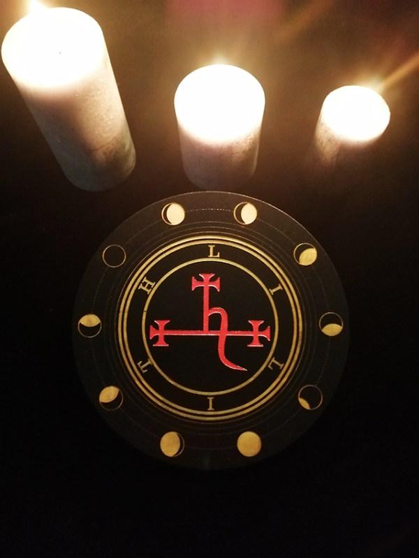 Lilith autel ésotérique