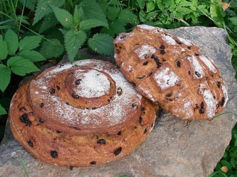 pähkinäinen leipä taikinajuureen