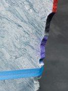 Jose Dávila, The Stone that The Builder Refused, 2017. Losas de marmol, anillo metálico, correas de trinquete aprox. 600 cm diámetro y 170 cm altura única. Cortesía del artista y KÖNIG GALERIE. Foto: Roman März