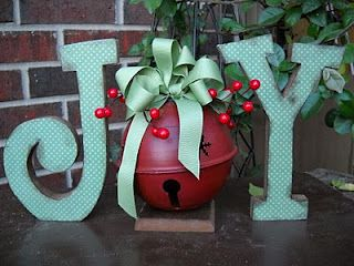 JOY Sign - DIY Holiday Decor