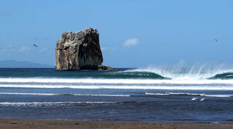 Surf in Costa Rica Witches Rock