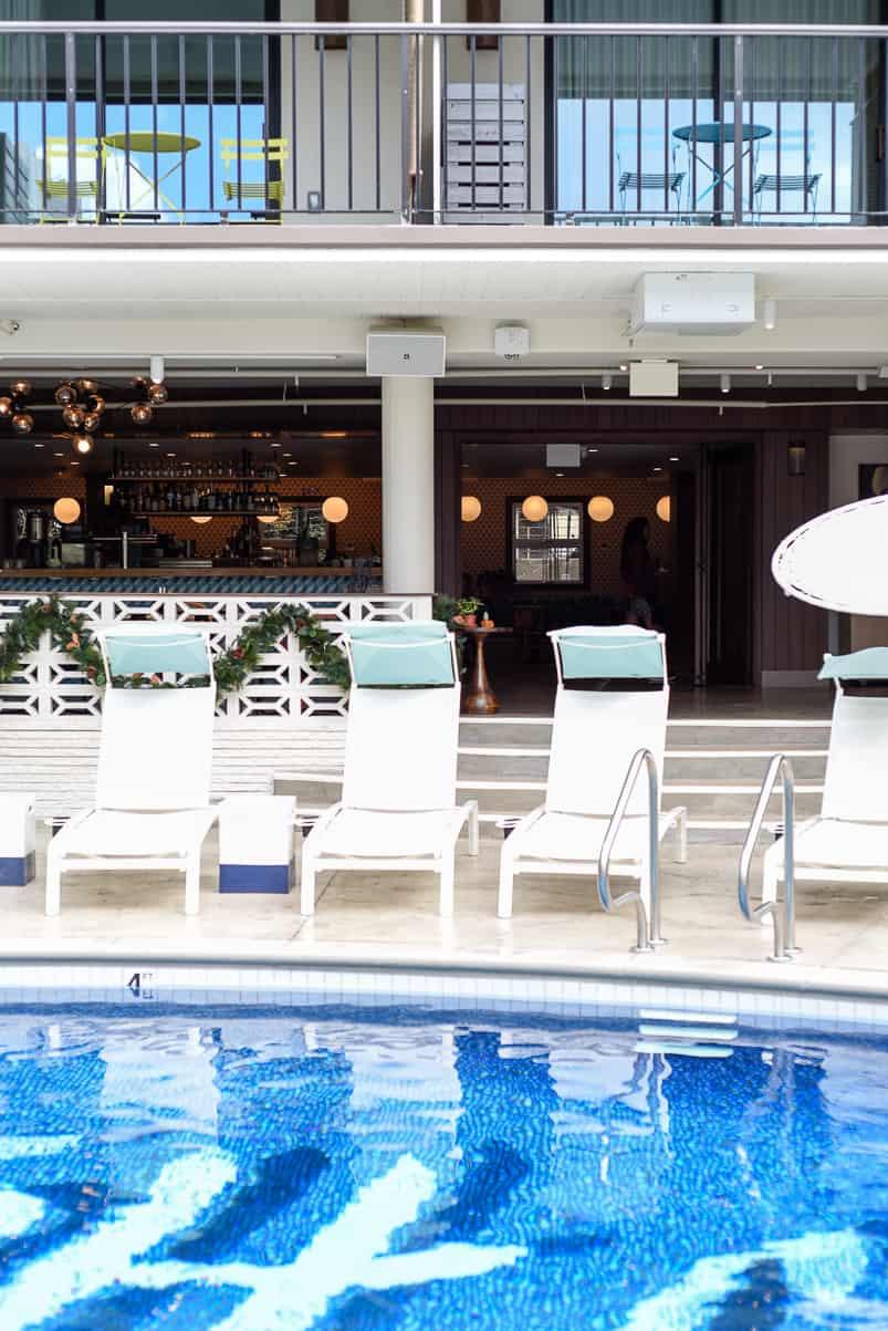 Surfjack Hotel & Swim Club / A Vintage-Inspired Boutique Hotel in Waikiki