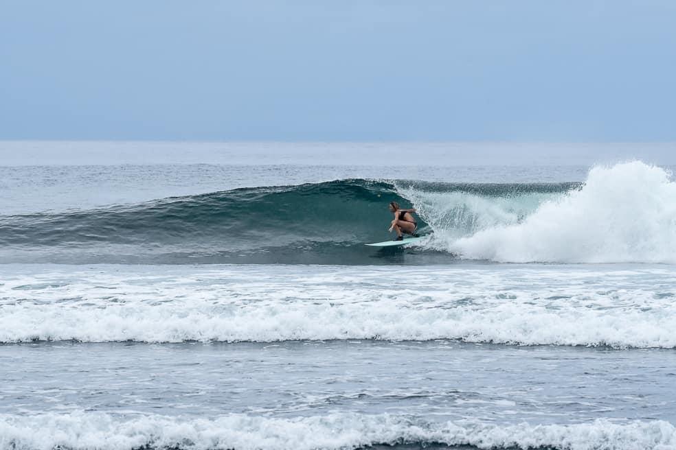 Surfing Samoa / Tiavea