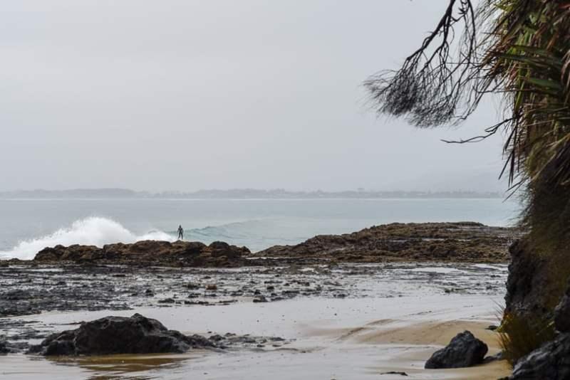 surfing new zealand shipwreck bay