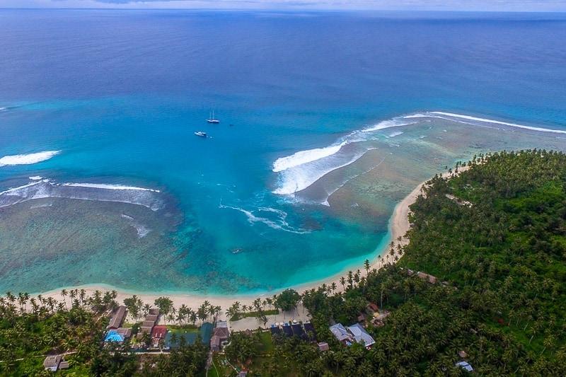 hollow-trees-resort-mentawai-islands-19