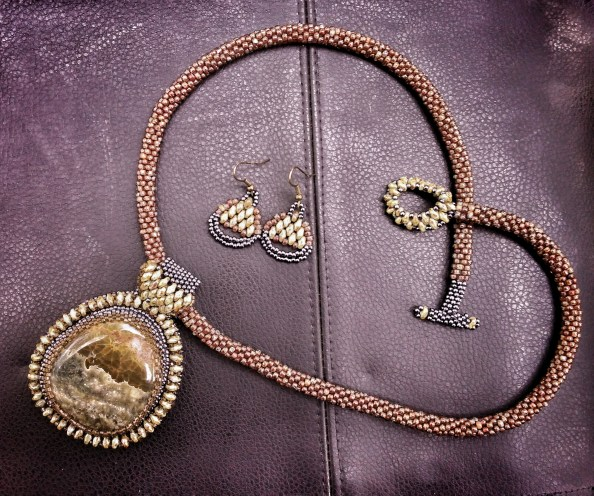 Storm Sonnet Necklace (Full View) with Earrings