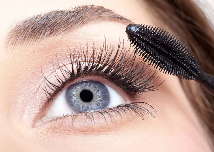 Lash Protection Tips, 5 Essential Lash Protection Tips For Winter Weather