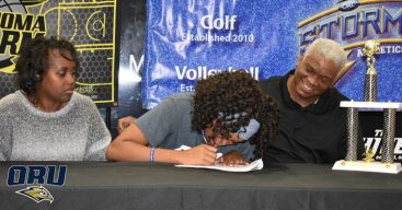 Raelene and her folks as she signs to play for ORU