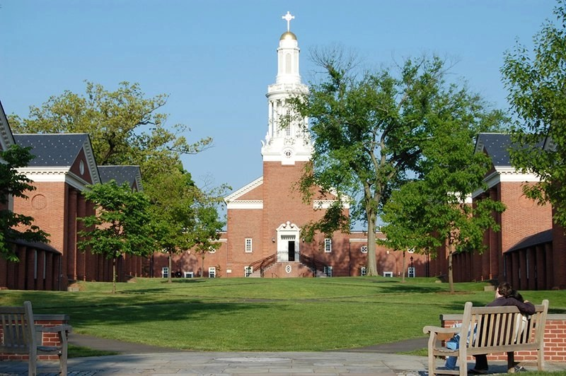 Yale offers fall semester environmental ethics courses