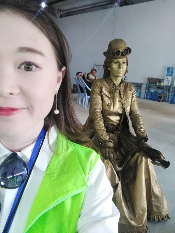 Steampunk_Lady_in_China