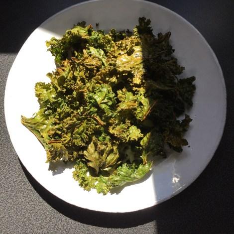 Chips de kale, bien dorées.