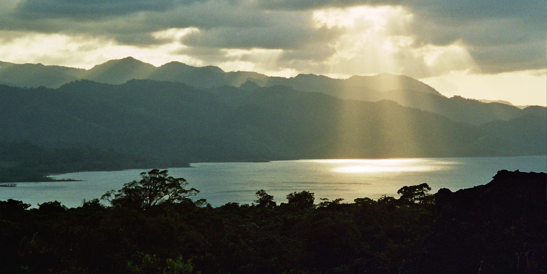 jezero Arenal