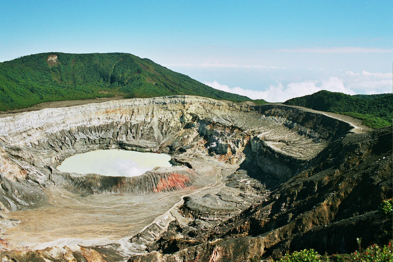 aktivní vulkán Poas