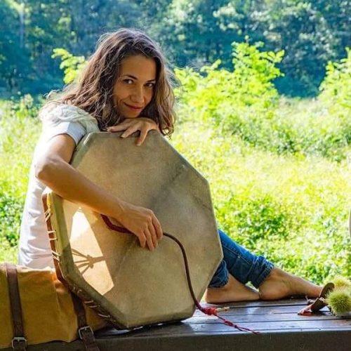 Luana Pilloni praticante di sciamanesimo