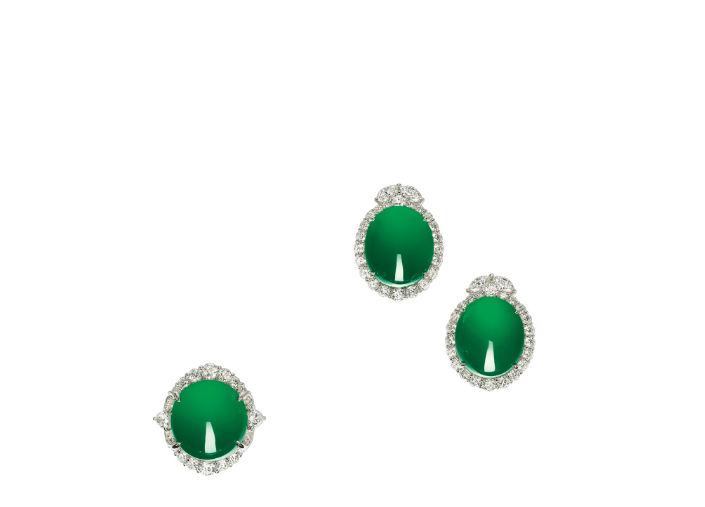 Very Fine Jadeite and Diamond Ring and Pair of Matching Earrings