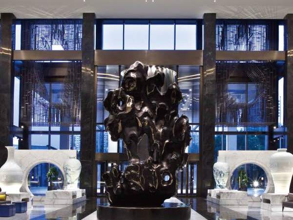 Lux Afrique, Nuo Hotel, Beijing