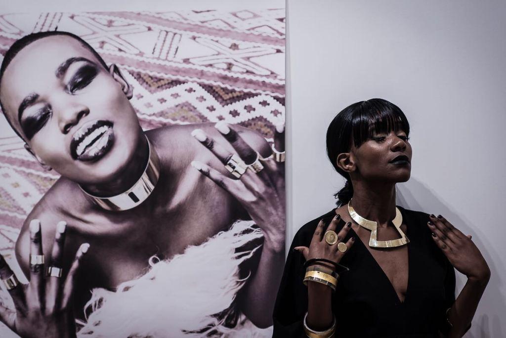 Lux Afrique, Adele Dejak