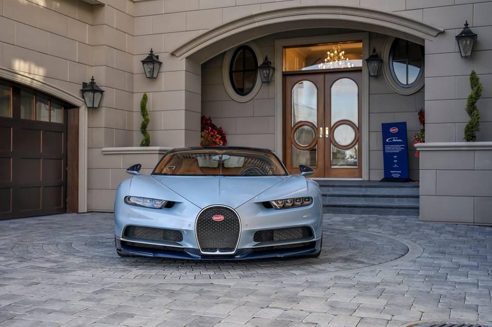 Bugatti-Chiron-01
