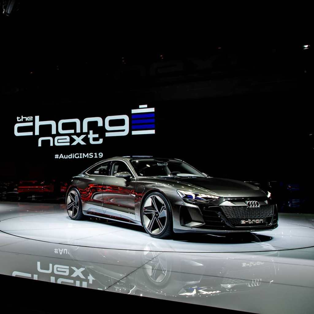 Audi-etron-4