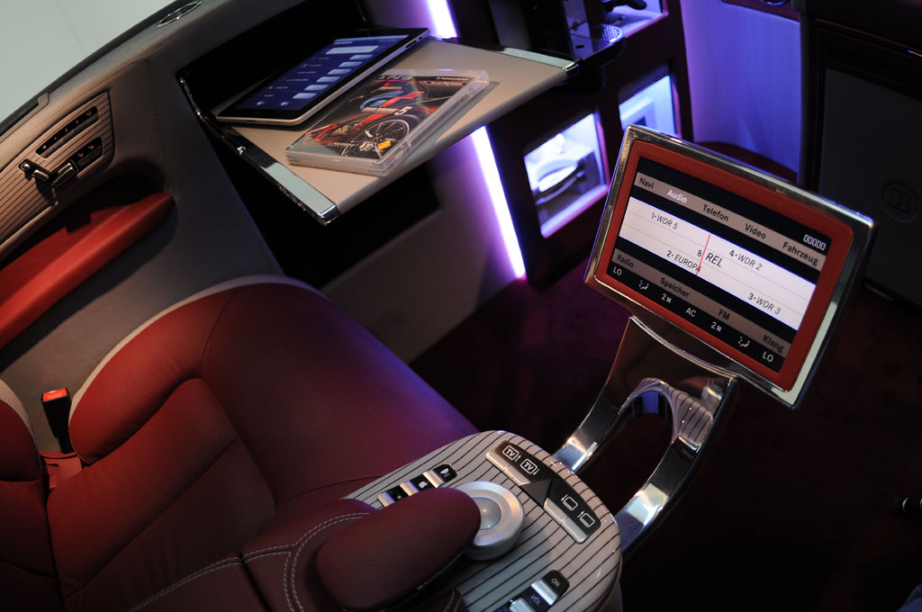 The-Jaw-Dropping-Brabus-Mercedes-Viano-iBusiness-3D