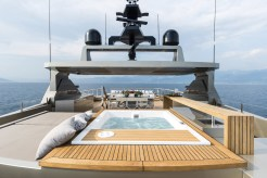 Super-yacht-cacos-V-superior-deck-jacuzzi
