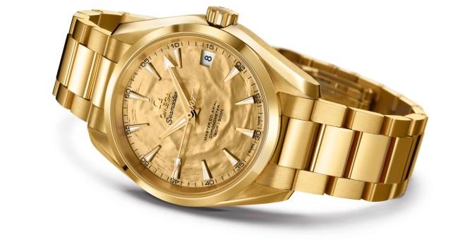 Omega Seamaster Aqua Terra en or : Une pièce unique pour les 50 ans de Goldfinger
