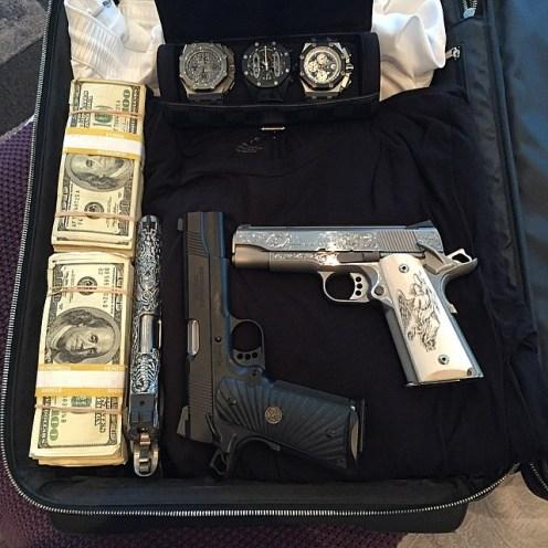 Dan Bilzerian valise