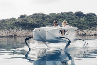 Quadrofoil-Electric-Hydrofoiling-Personal-Watercraft-8