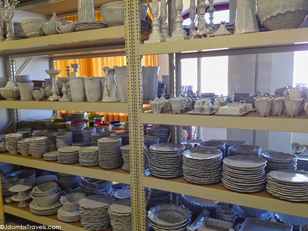 Nove (łe nóve /e'nove, le'nove/ in veneto) è un comune italiano di 4 898 abitanti della provincia di vicenza, noto per la produzione della ceramica. Nove Italy A Ceramic Shopper S Heaven Luxe Adventure Traveler