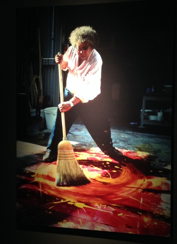 Dale Chihuly at work-pic by JRN