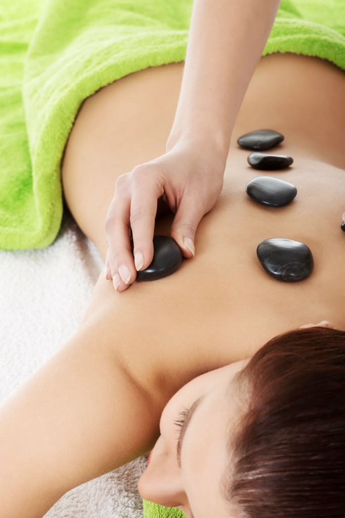 shutterstock_166386143 hot stone massage luxe beat mag web