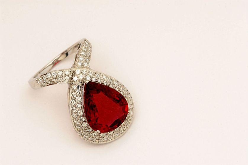 R0514 - Ring in Diamond & Ruby - $8,000
