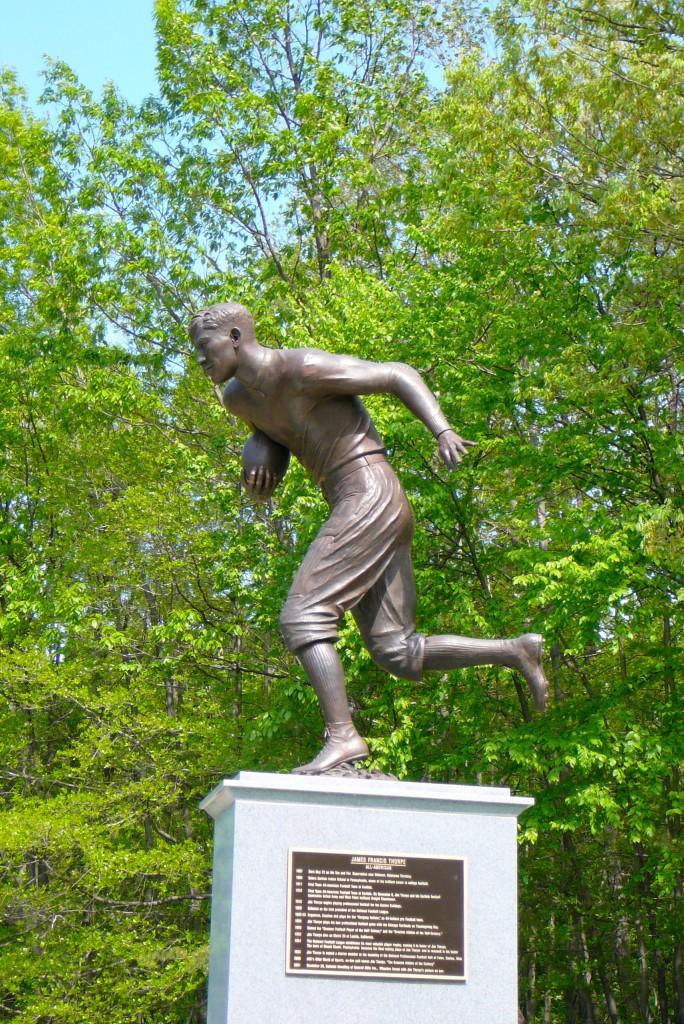 Jim Thorpe Memorial Statue