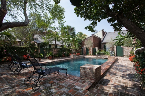 The Audubon Cottages are said to hold the oldest pool in New Orleans. (Photography Audubon Cottages)