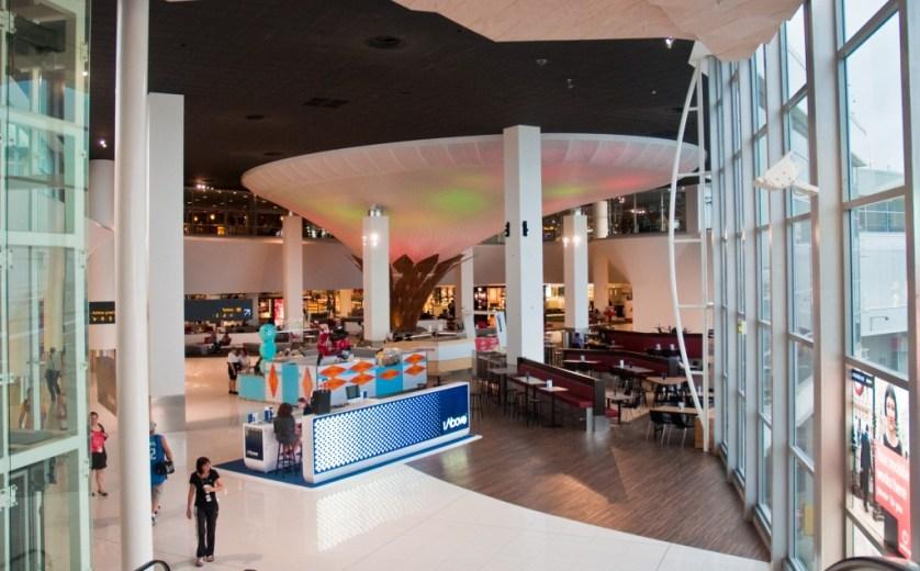 LuxeLayoversAKL-New International Departure atrium by Phillip Capper
