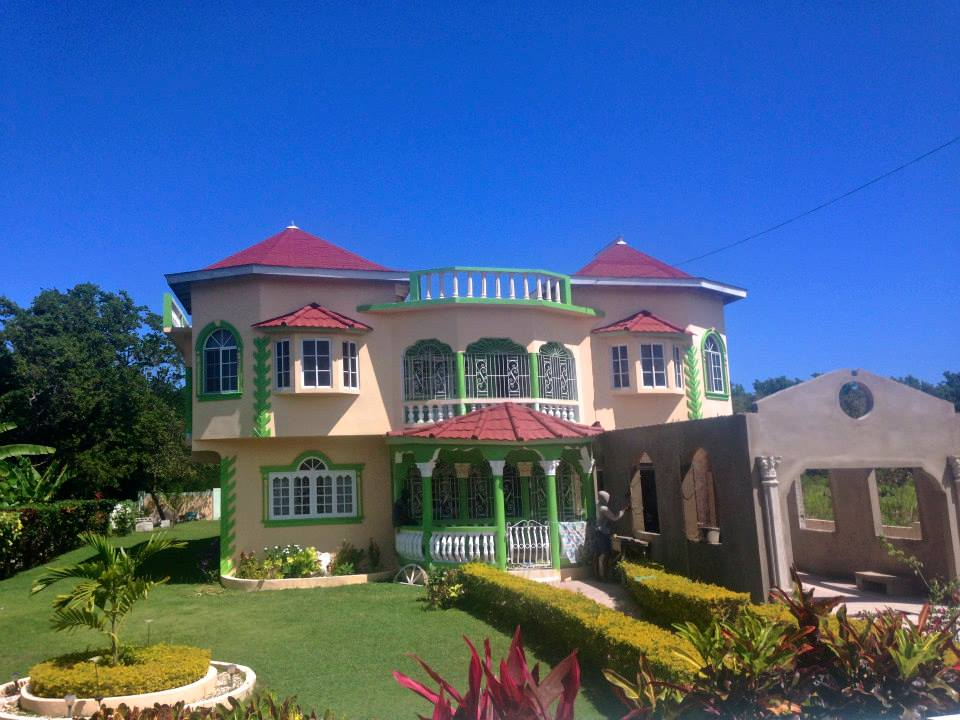 High Quality Many Elaborate And Customized Homes Dot The Jamaican Countryside.  (Photography Jenna Intersimone)
