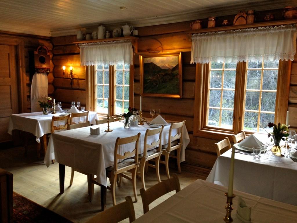 Hotel Roishem dining